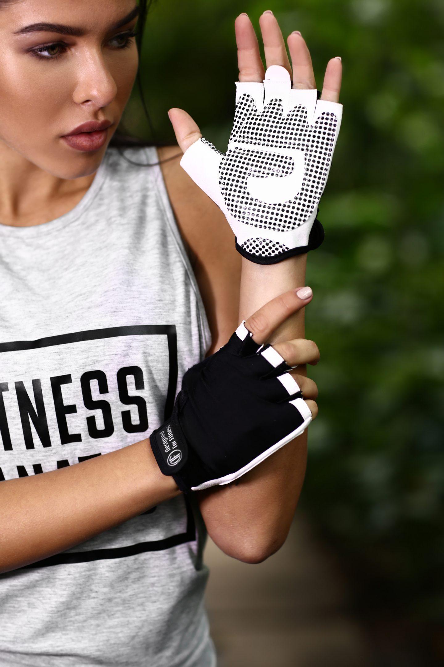 Спортивные перчатки Black N White